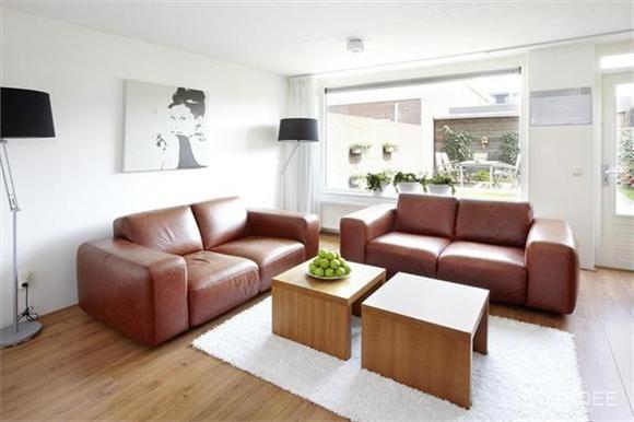 Verkoopstyling in een moderne woning in etten leur - Moderne eetkamer en woonkamer ...