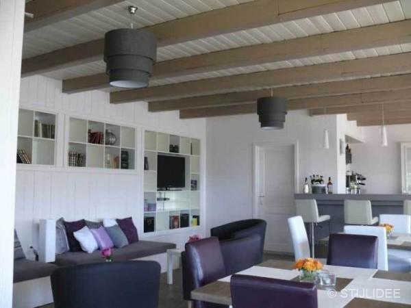 Binnenkijken in familie hotel in modern landelijke stijl in oostenrijk for Schilderen moderne volwassen kamer