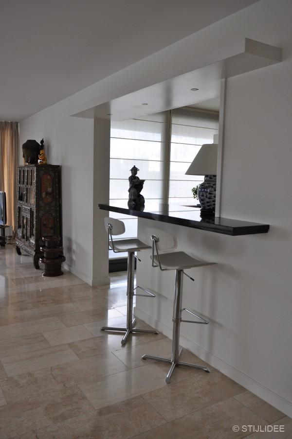 Binnenkijken in een amsterdams loft appartement in aziatische stijl - Lounge en keuken in dezelfde kamer ...