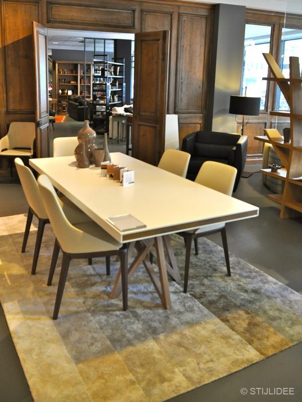 Ontmoeting met topdesigner sacha lakic bij roche bobois for Stoel bobois stoel