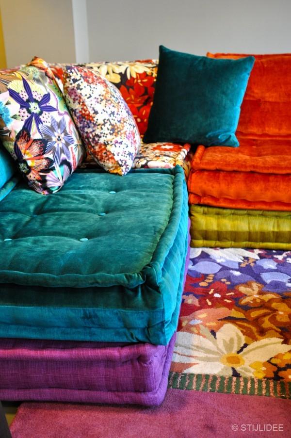 ontmoeting met topdesigner sacha lakic bij roche bobois amsterdam. Black Bedroom Furniture Sets. Home Design Ideas
