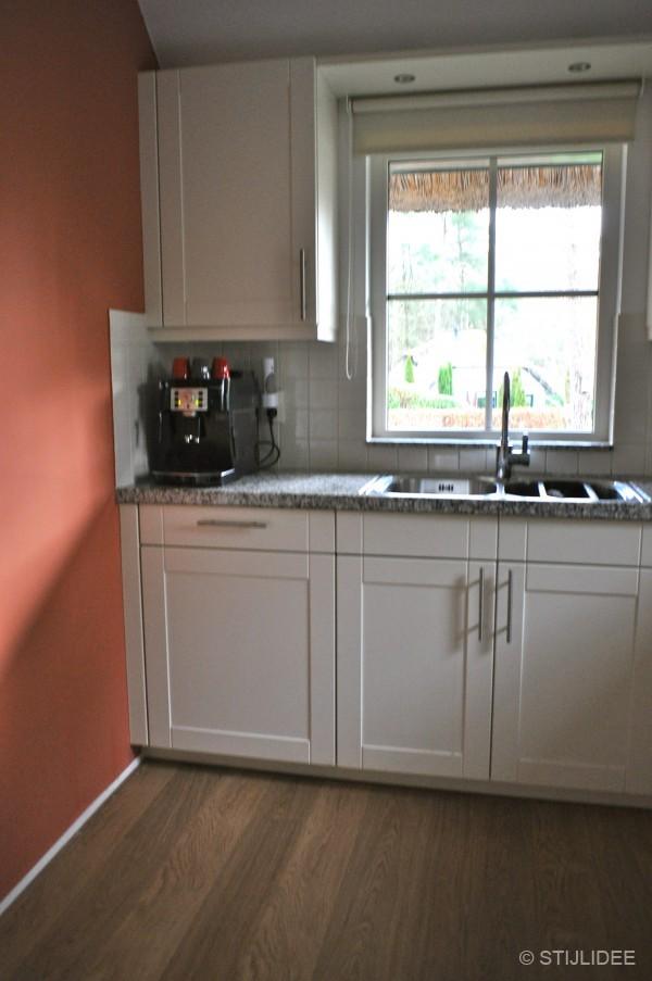 Voor en na binnenkijken in een recreatiewoning in bennekom - Kleur voor de keuken ...