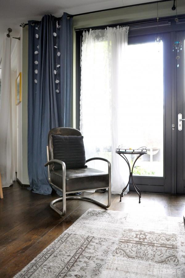binnenkijken in een modern klassieke vintage woonkamer in vleuten