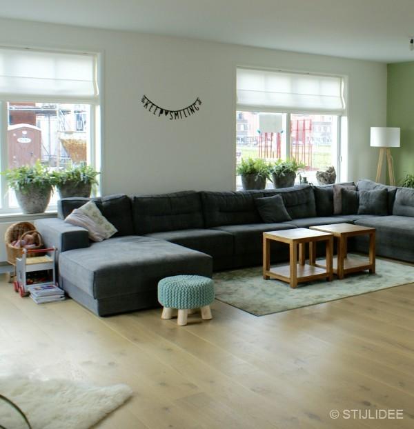 Binnenkijken in de keuken met moderne kamer en suite van een nieuwbouwwoning in schoonhoven - Decoratie voor een kamer ...
