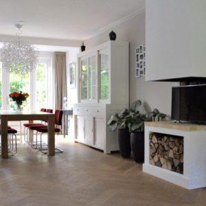Binnenkijken in een moderne keuken in wit hout en for Woonbeurs 2016 utrecht