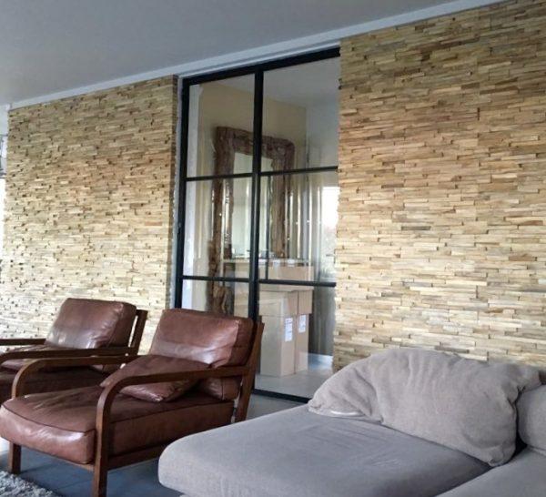 Binnenkijken in ... een huis met een warm houten wand in IJsselstein na STIJLIDEE Interieuradvies en Styling
