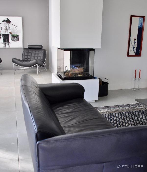 Binnenkijken in ... een woonkamer en keuken in moderne design stijl in Houten na STIJLIDEE Interieuradvies, Kleuradvies en Styling