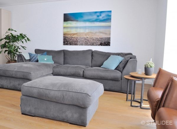 Binnenkijken in ... een woonkamer met lounge bank en design ...